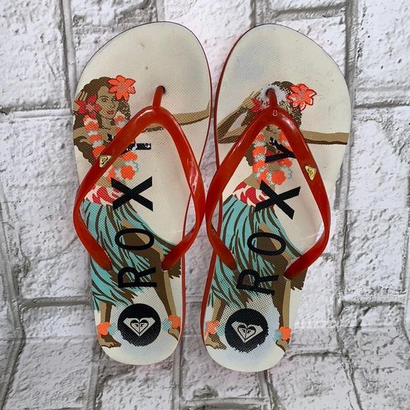***2/$15 Roxy hula girl flip-flops